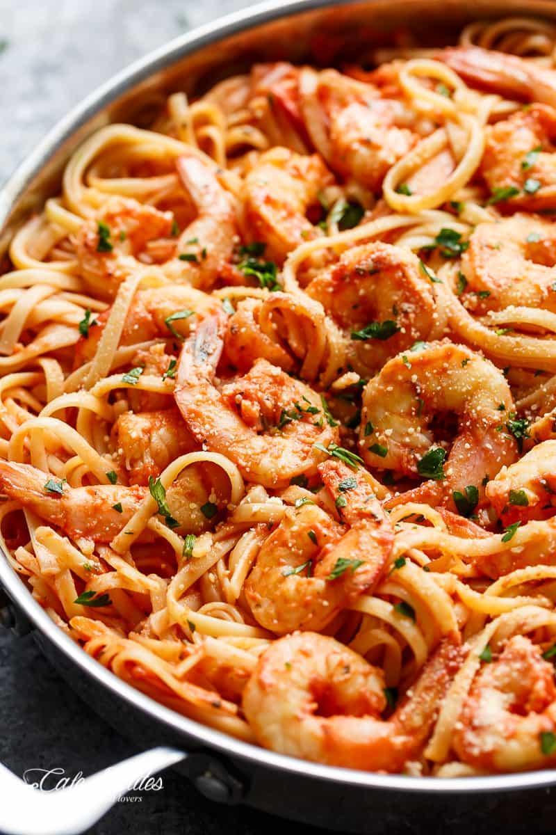 15-Minute Creamy Tomato Garlic Butter Shrimp | https://cafedelites.com