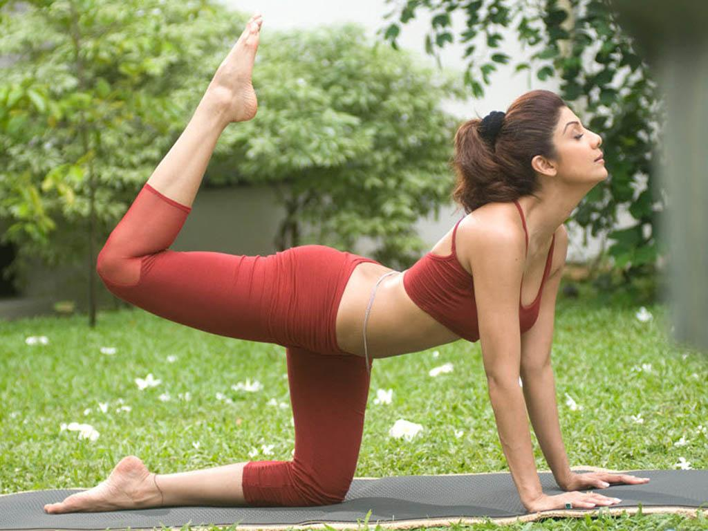 C:\Users\user\Desktop\Reacho\pics\shilpa-shetty-yoga.jpg