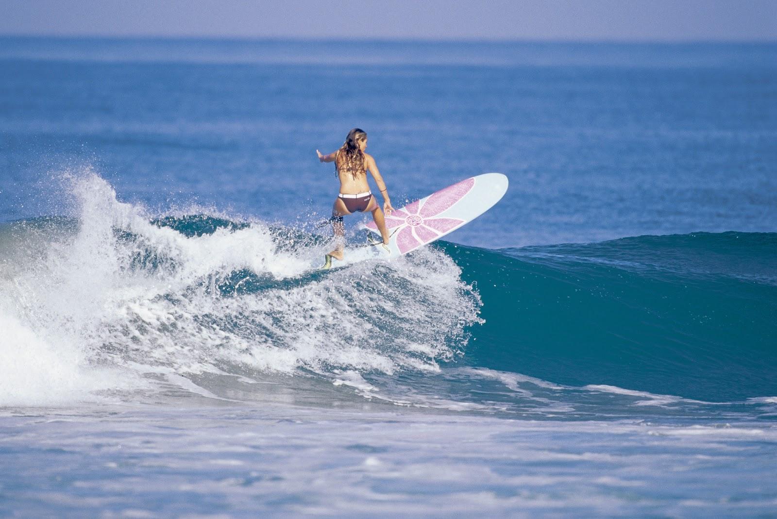 Surf_Girl01.jpg