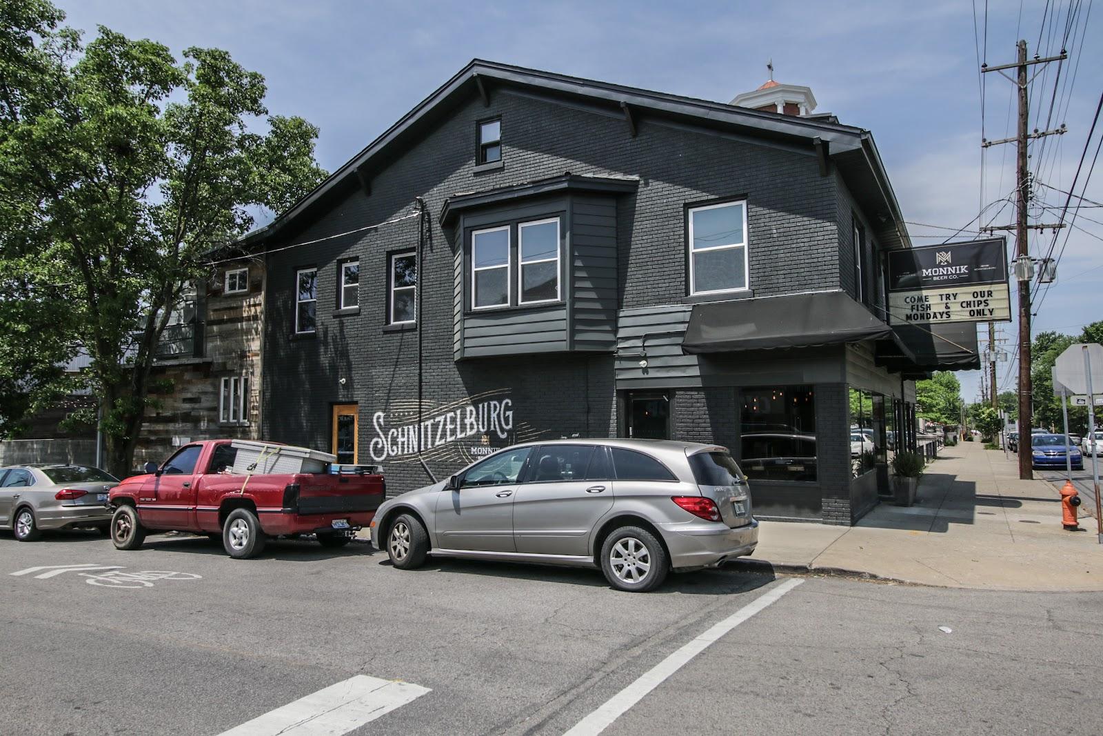 Nearby restaurants for 1101 Forrest St Louisville KY 40217