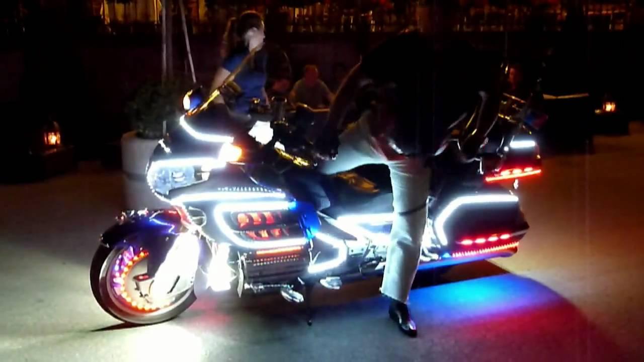 moto illuminée