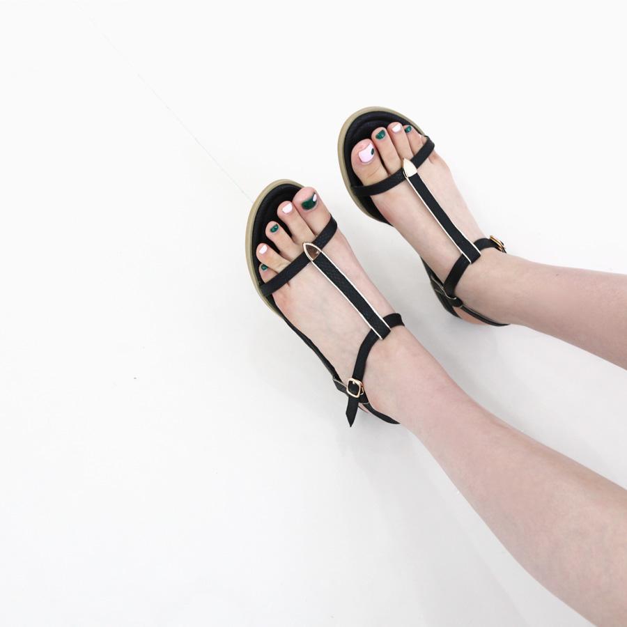 Giày sandal quai hình chữ T