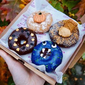 Mixed Box of 4 Vegan Donuts 🌱
