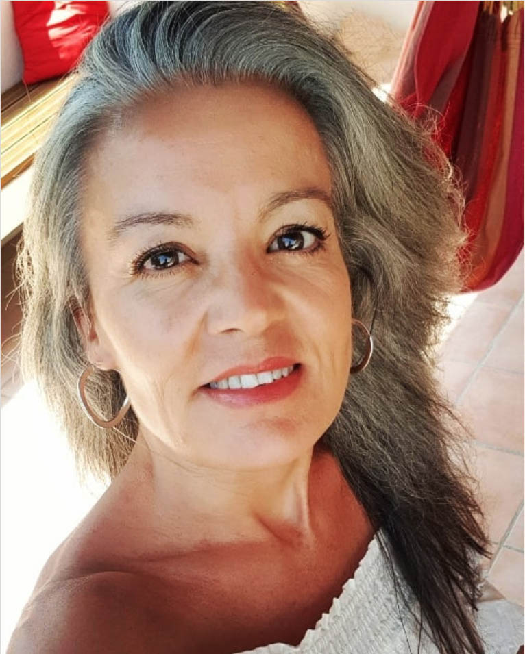 25 Women Going Gray Gracefully Who Will Inspire You to Quit Dying Your Hair 13
