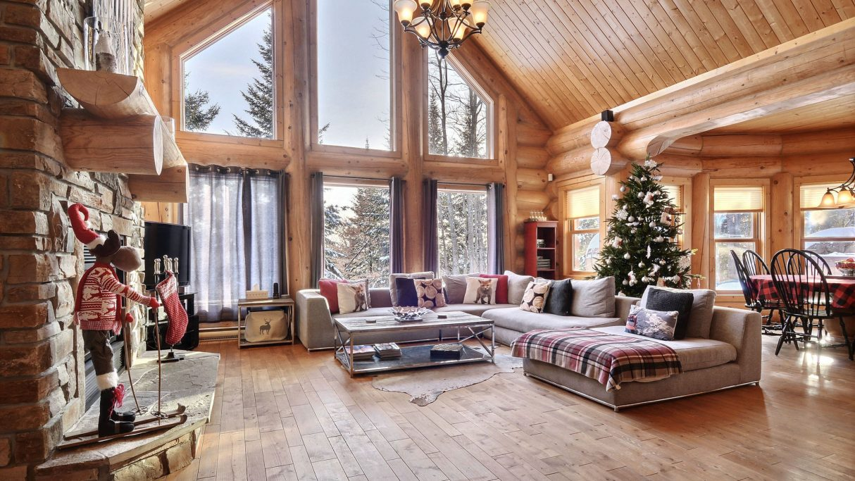 #6 listing of Cottages for rent in the Laurentians of Quebec on WeChalet