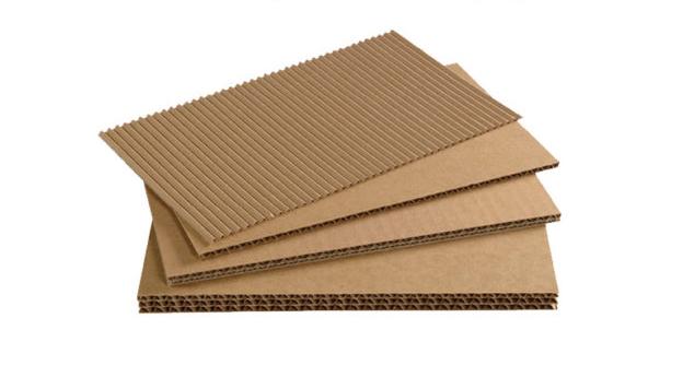 Tipos de cartón apilados