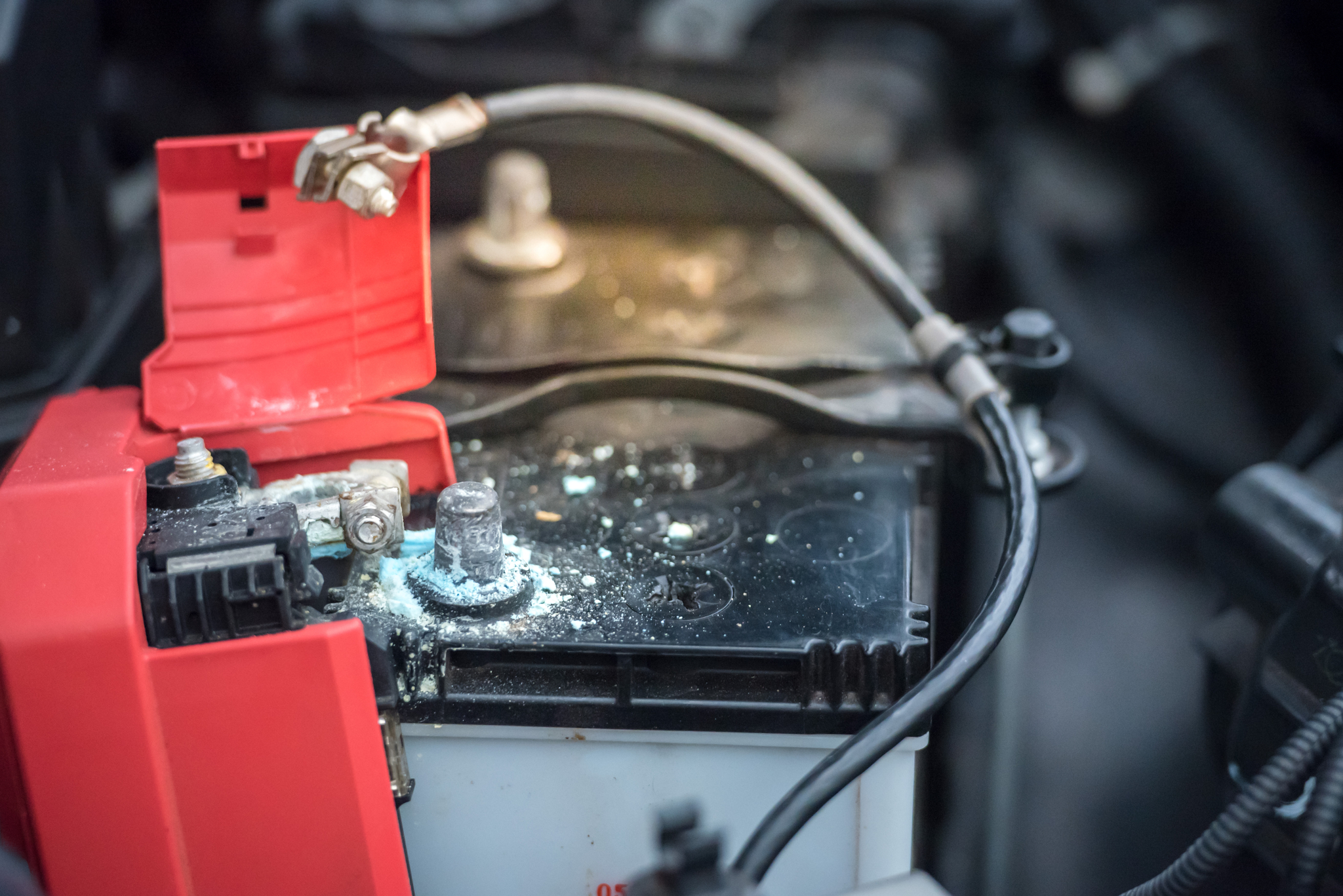 , Absorbed Glass Mat (AGM) vs. Lead-Acid Batteries: What's the Difference?