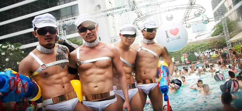 http://www.gaytravel4u.com/wp-content/uploads/2014/11/songkrang-festival-gay-bangkok-1.jpg