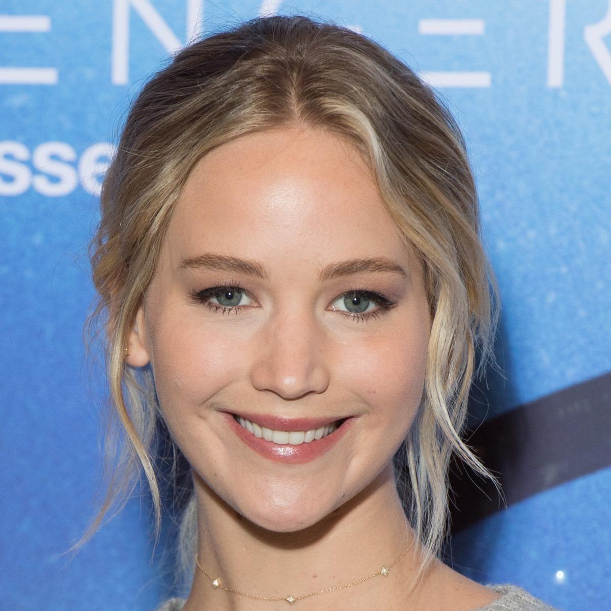 A natural blonde - Jennifer Lawrence No Makeup - All Ravishing Pics
