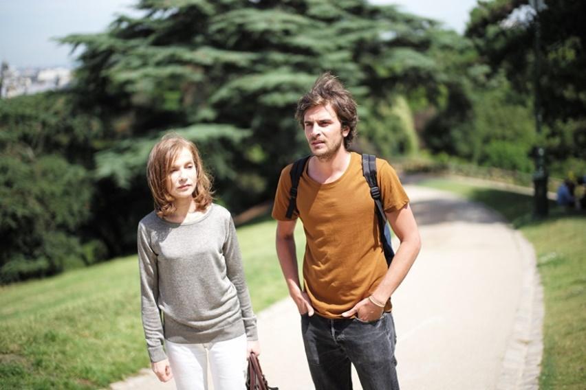 Isabelle Huppert and Roman Kolinka in L'avenir (2016)