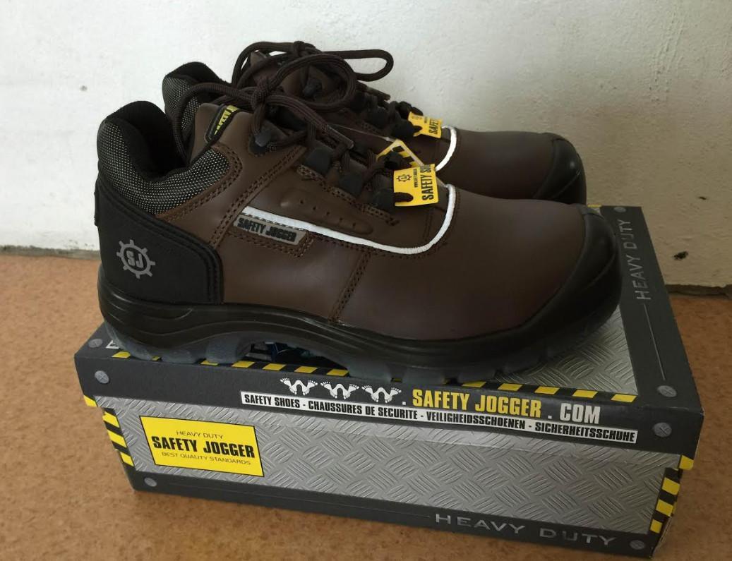 Công dụng tuyệt vời mà giày bảo hộ jogger mang đến cho người tiêu dùng
