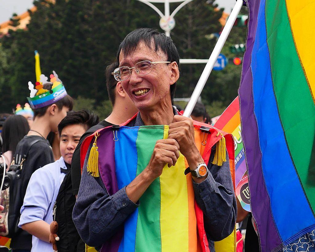 祁家威:台灣第一個公開同志以及長期捍衛同志權益運動家/圖片來源: Wikipedia