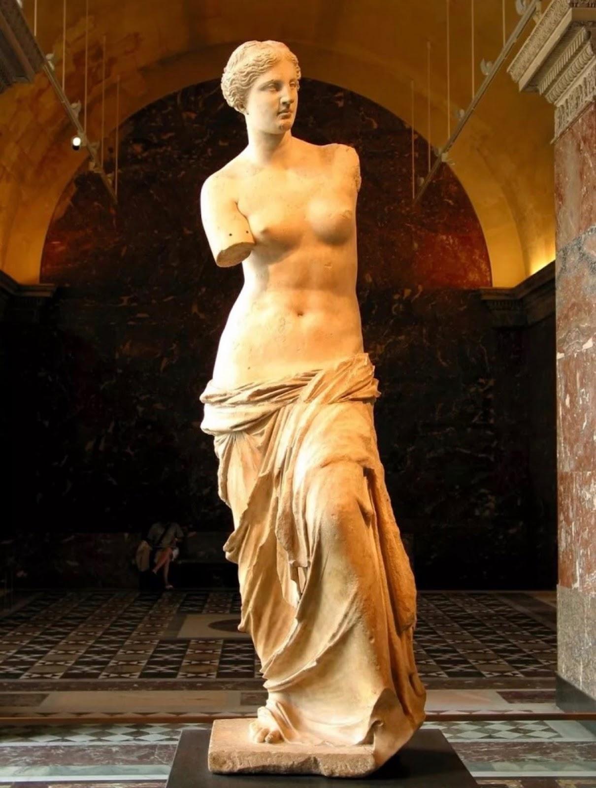 Лувр Венера Милосская