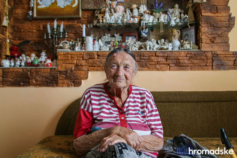 Ванда Горчинская, бывшая связная и медсестра ОУН, у себя дома в городе Копычинцы в Тернопольской области.