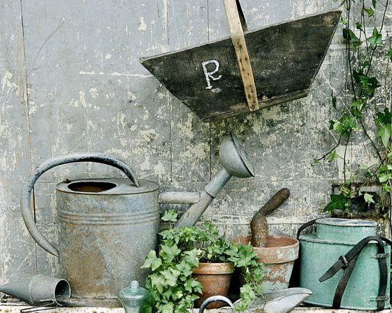 How to Hide a Water Tank in Your Garden