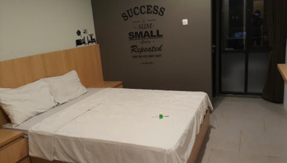 bedroom kos maxley tangerang