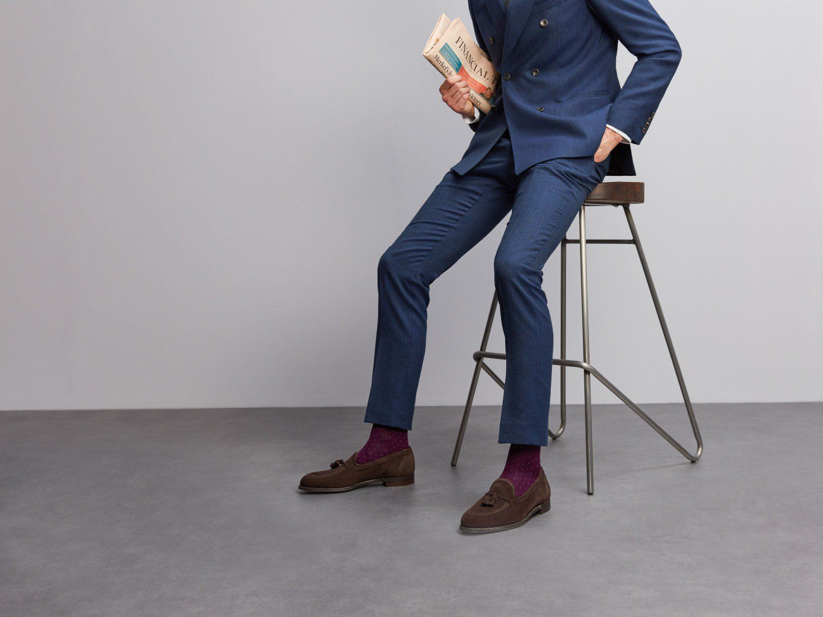"""""""Navy Suit Brown Shoes"""" For Success In Financial World"""