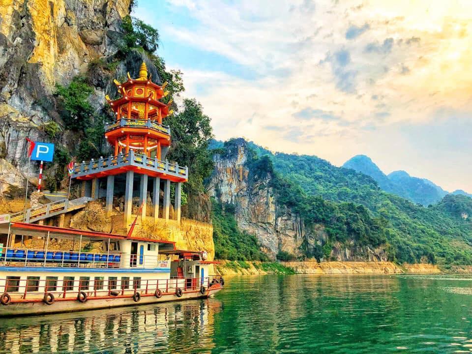 đền chùa thác bờ
