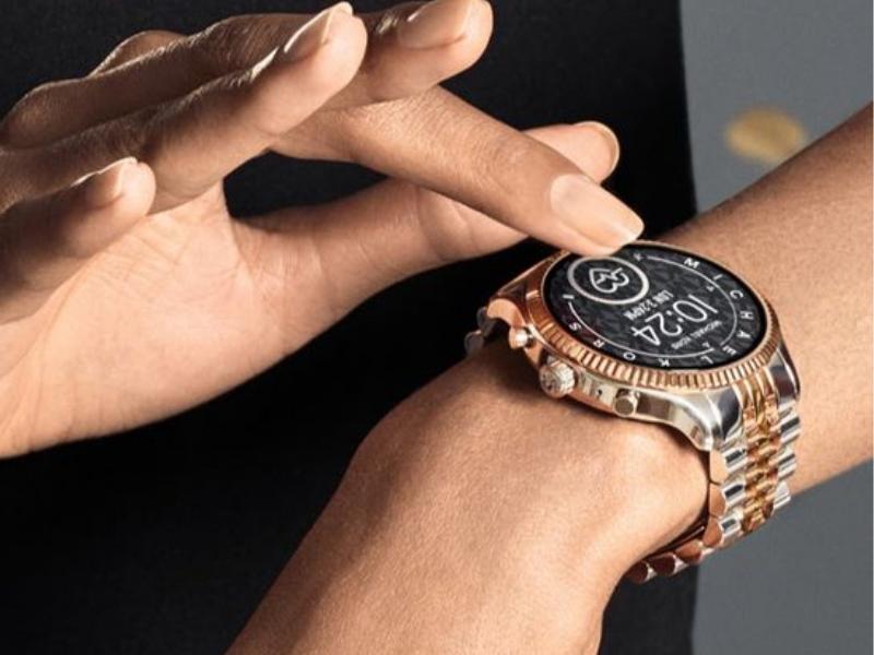"""Một mẫu khác trong những thiết kế đồng hồ Michael Kors điện tử nam """"nhìn là muốn mua của hãng"""