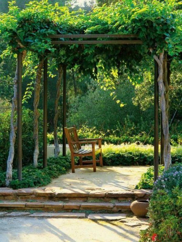 natural-garden-pergola