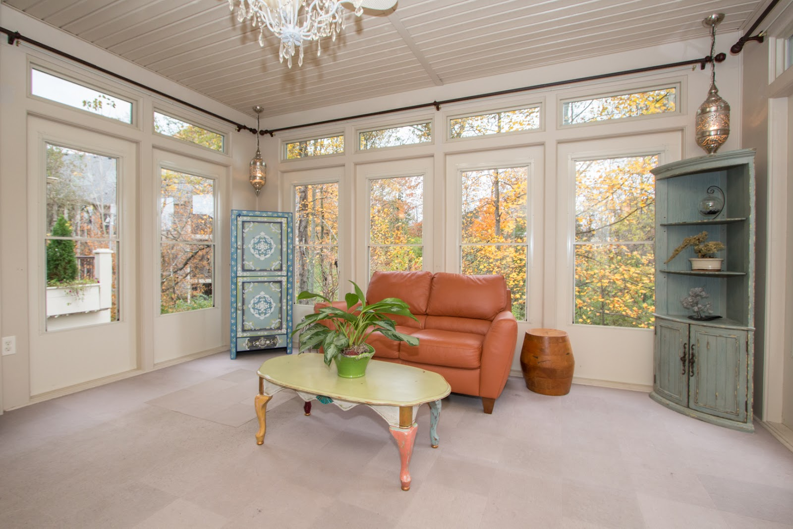 Beautiful all season room that has it's own heating/cooling system. The large windows overlook a forest wonderland. This sunroom is in 10901 Jordain Drive Louisville KY 40241, currently listed by Pam Ruckriegel 502-435-5524