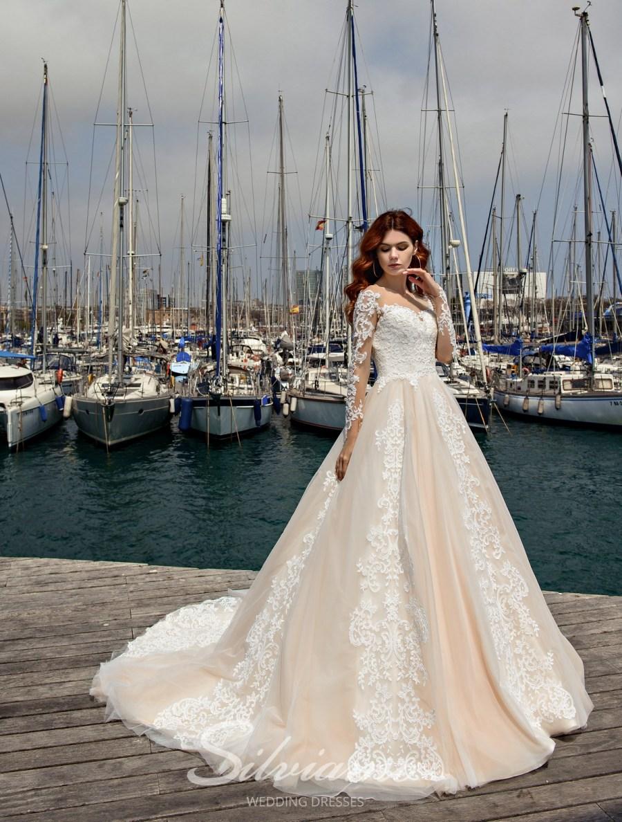 Свадебные платья от стильного бренда оптом