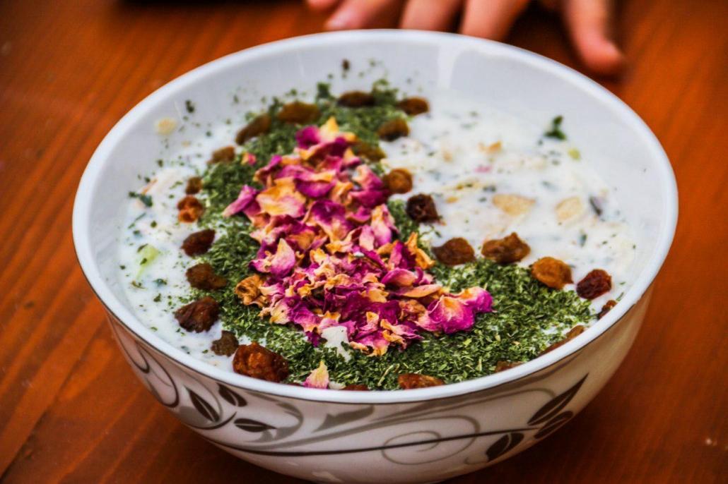 طرز تهیه آب دوغ خیار سنتی و خوشمزه به روشی ساده
