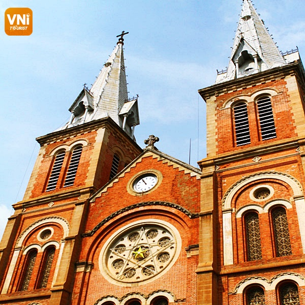 NOTRE DAME CATHEDRAL- THE SOLEMN ARCHITECTURE IN THE HEART OF SAIGON -2