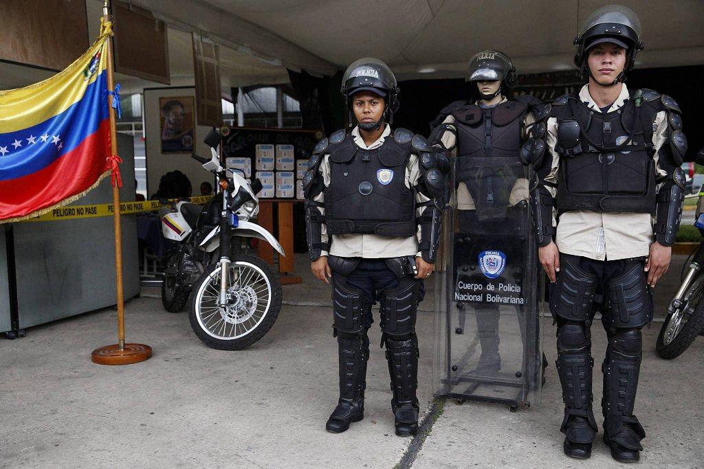 Применение оружия полицией-4