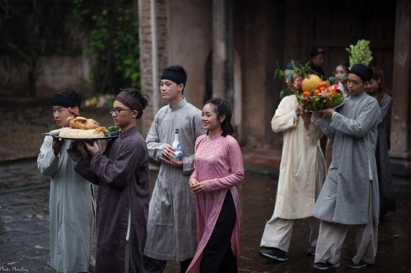 Kết quả hình ảnh cho áo dài nam truyền thống