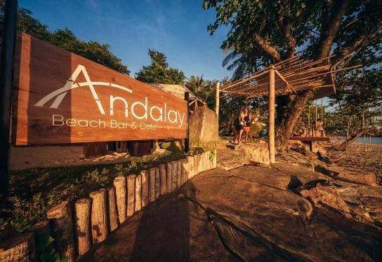 1. Andalay Beach Bar & Cafe' อันดาเลย์ บีชบาร์ แอนด์ คาเฟ่ 03