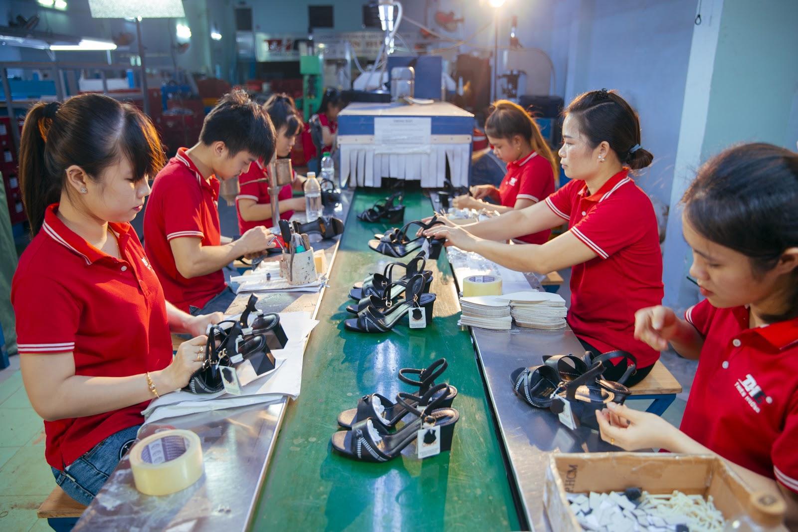 Thiên Hương – Đơn vị chuyên sỉ giày uy tín nhất hiện nay
