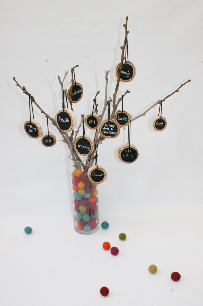 Thankful Tree: These 25 Thanksgiving Crafts for Kids will get everyone into the thanksgiving spirit.