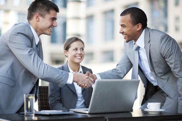Cá nhân hợp tác kinh doanh với tổ chức