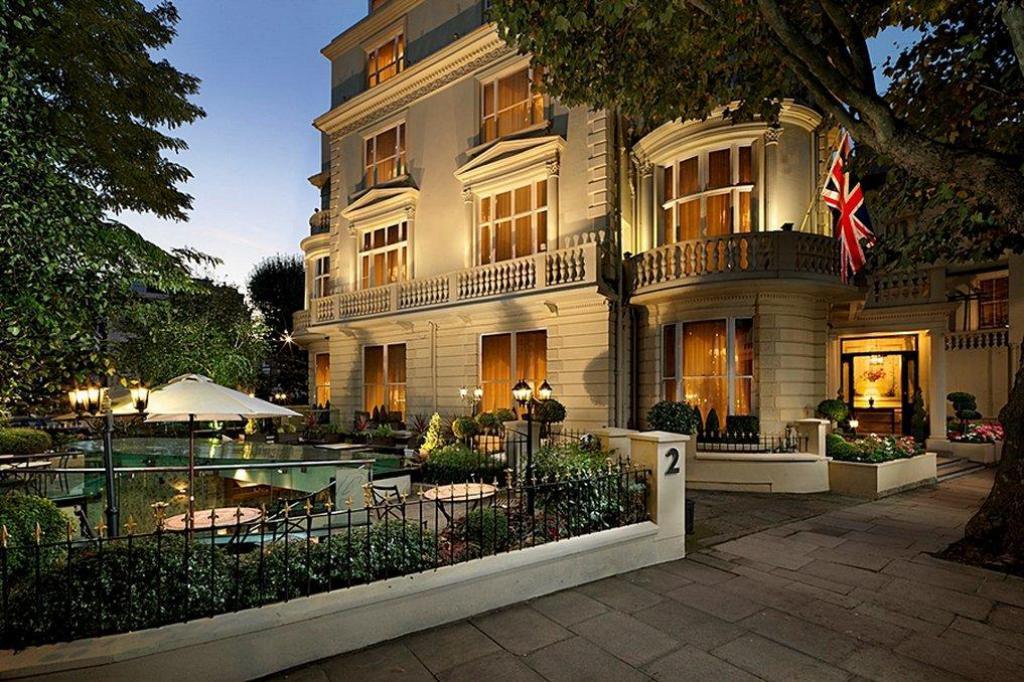 The Colonnade merupakan hotel murah di London yang memiliki nuansa mewah dan megah