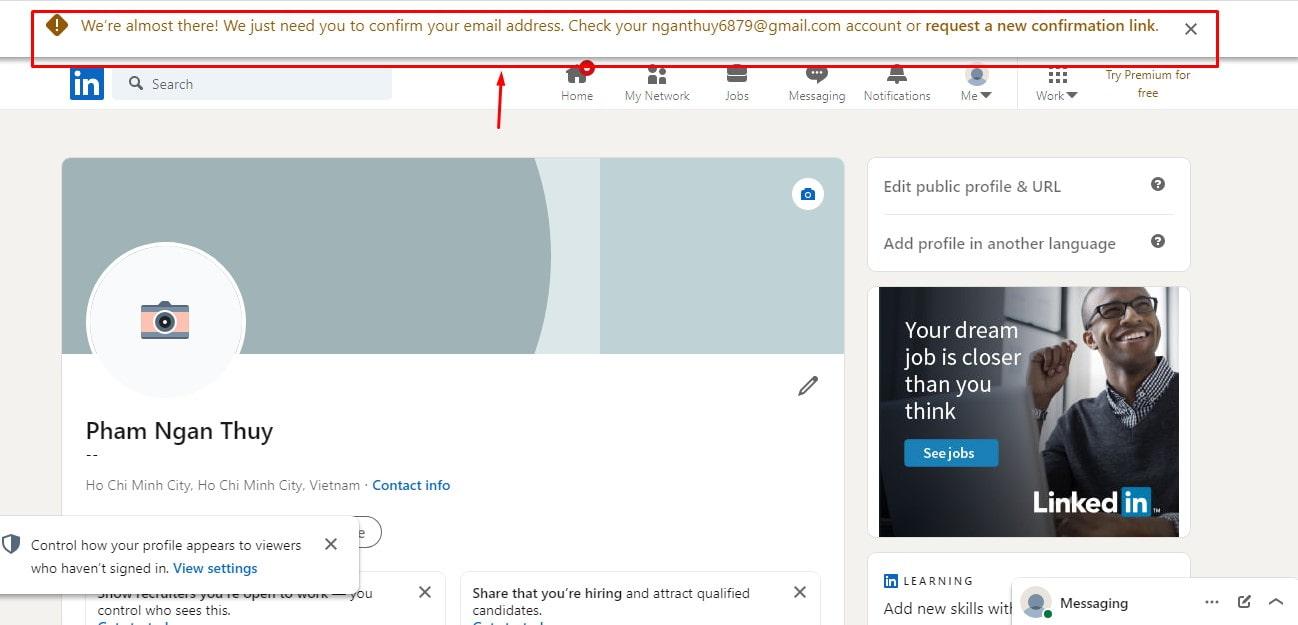yêu cầu vào tài khoản email đã đăng ký để xác nhận lại.