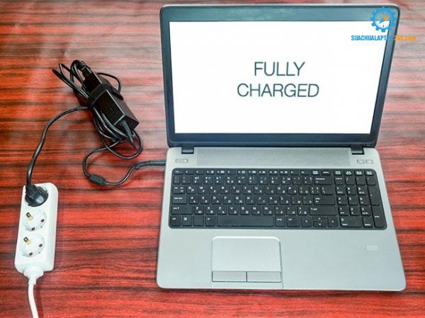 sac-pin-laptop2