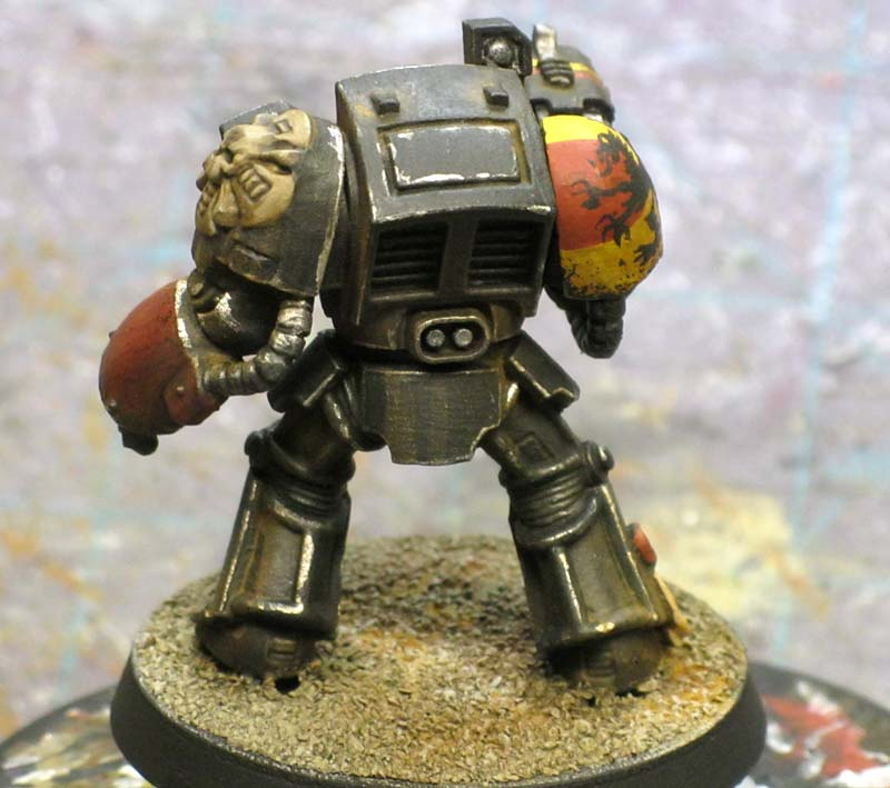 Painting Chipped Black Armour