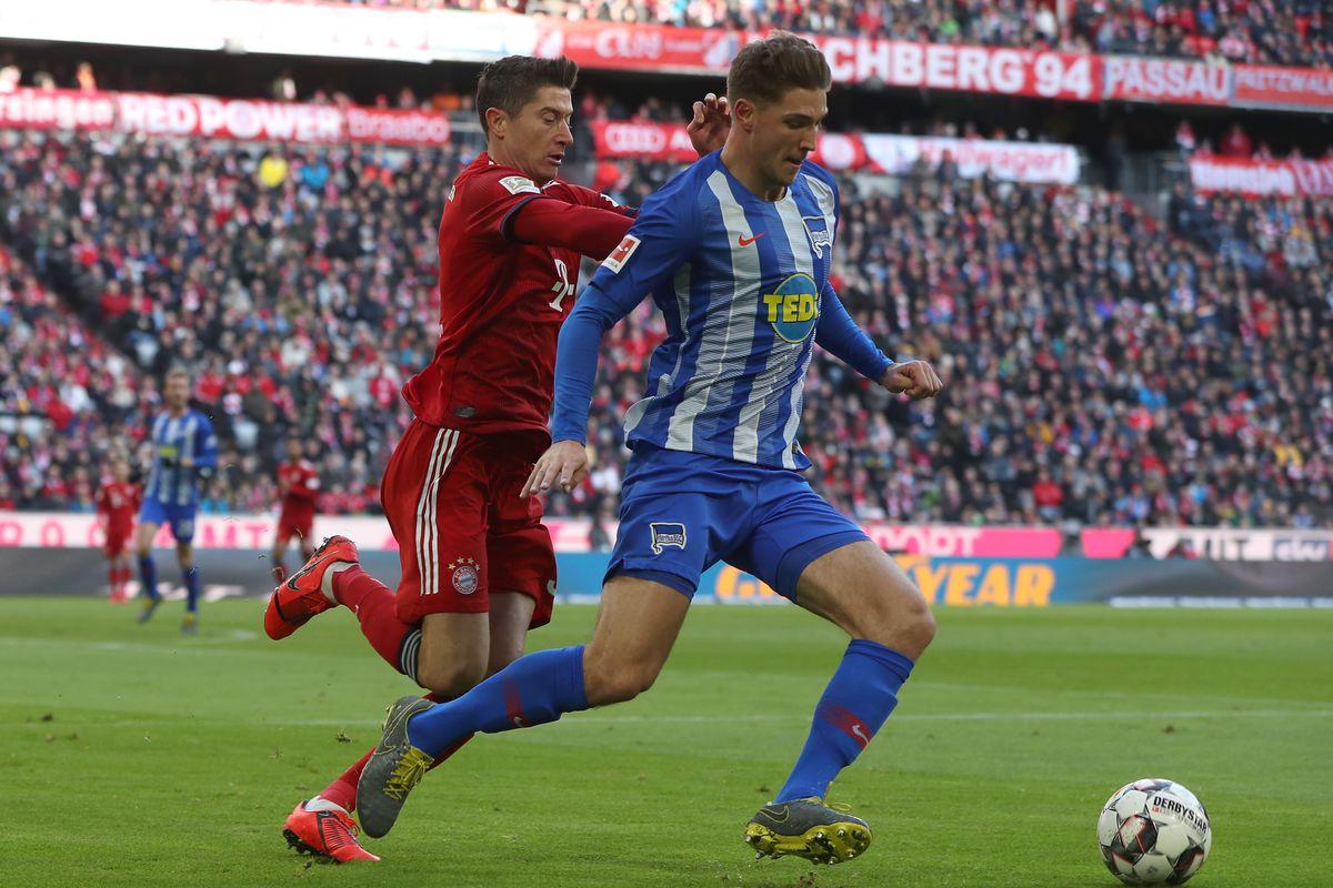 Левандовски забил оба гола в матче против Герты