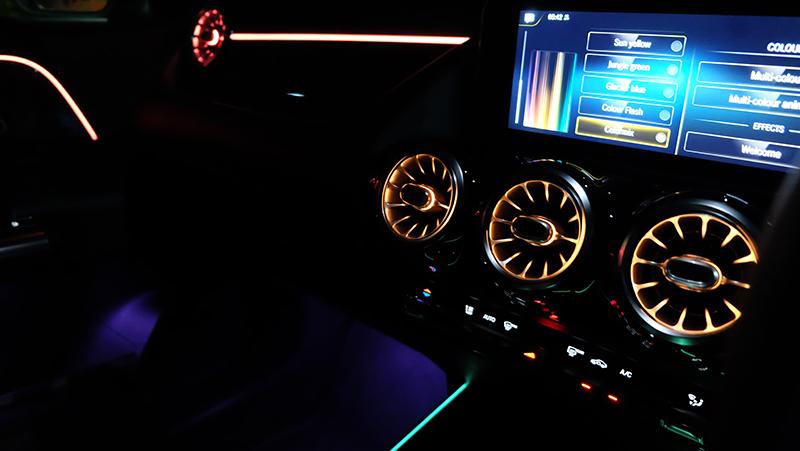 จุดเด่นของรถยนต์ : Mercedes Benz GLA 200 AMG Dynamic 07