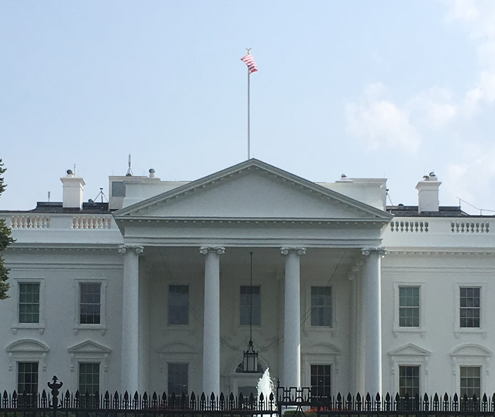 Fabulous Mccain Trump And The White House Flag From Half Staff To Download Free Architecture Designs Scobabritishbridgeorg