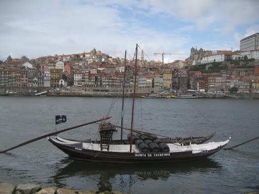 Płynie Porto płynie po portugalskiej krainie