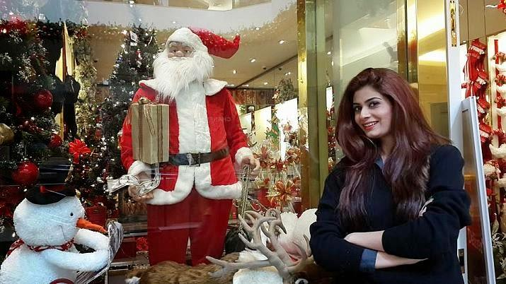 http://www.propakistan.com.pk/wp-content/uploads/2016/05/pakistani-celebrities-at-christmas.jpg