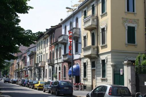 отели в Милане, где остановиться и как забронировать отель через интернет.