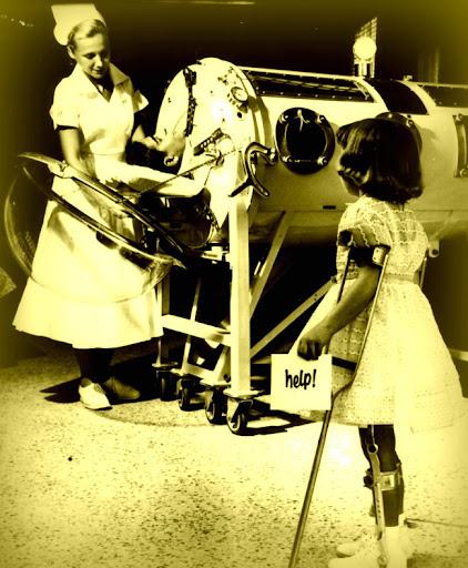 Enfermera y niño con poliomielitis