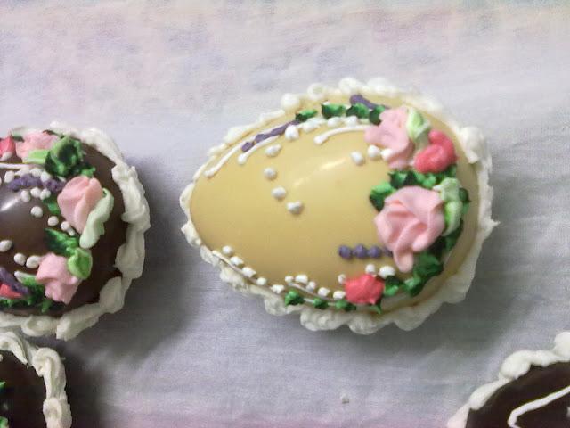 صور شكولاتة على شكل بيض رائعة huevos de chocolate para estas pascuas 190320111291