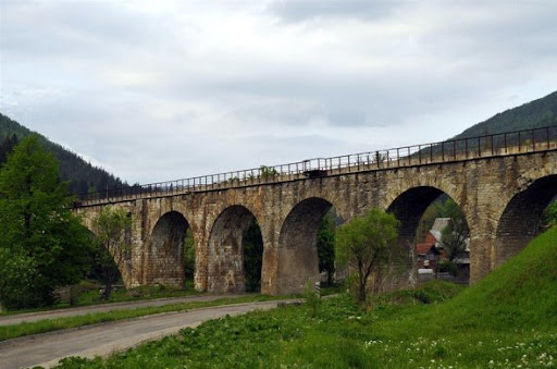 Viaduct in Vorohta