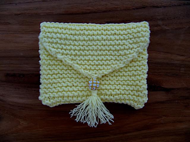 Lilicouture petite pochette tricot e au point mousse - Broderie sur tricot point mousse ...
