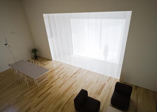 https://lh6.googleusercontent.com/_5N5CmodJ54I/TZqAzxm4jTI/AAAAAAAACZk/y60_TAMbll0/japanese-minimalist-interior.jpg
