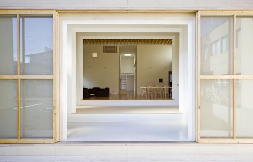 https://lh6.googleusercontent.com/_5N5CmodJ54I/TZqBHGGH1UI/AAAAAAAACaA/GODLRZksMdQ/ultra-minimalist-interior.jpg